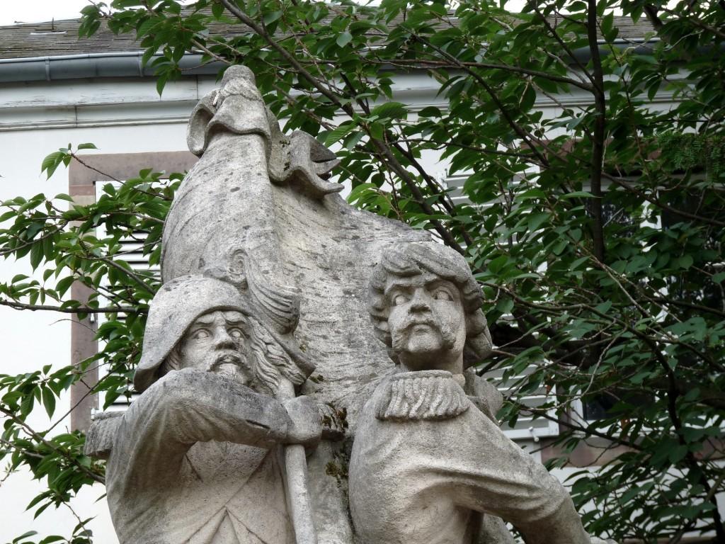 Monument marseillaise place broglie