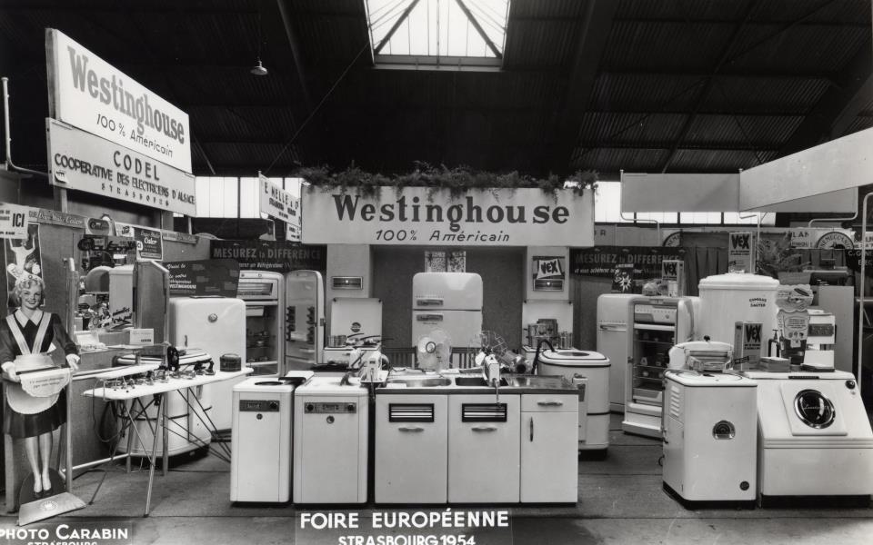 1954 stand éléctroménager de la Foire Européenne