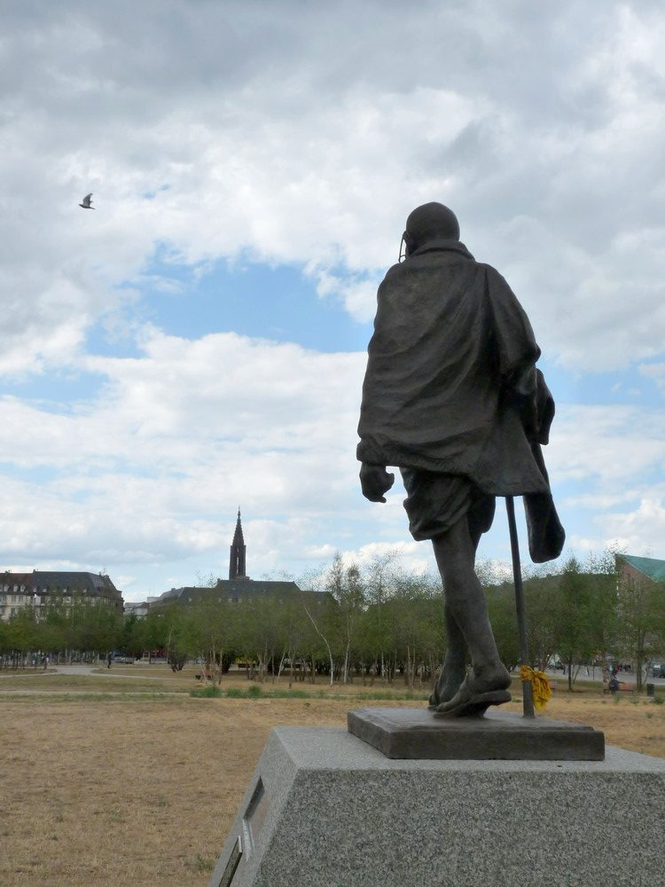 Statue Gandhi Place Etoile Strasbourg