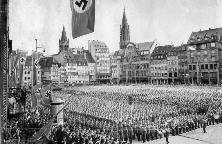 30 Photos de Strasbourg pendant l'Annexion nazie (1940-1944)