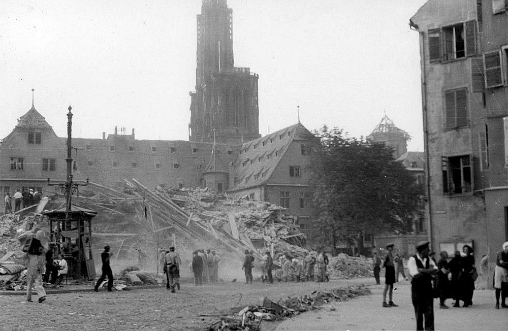 30 Photos de Strasbourg sous les bombardements (1943-1944)