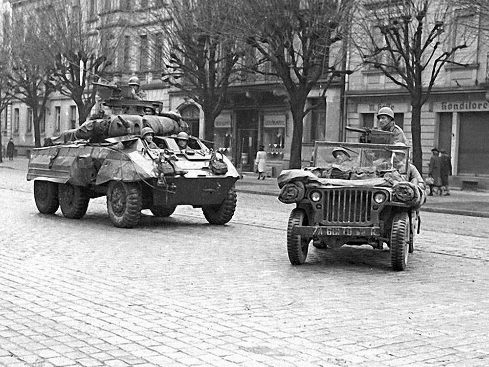 30 Photos de la libération de Strasbourg pendant la seconde guerre mondiale  (1944) Kuriocity Strasbourg