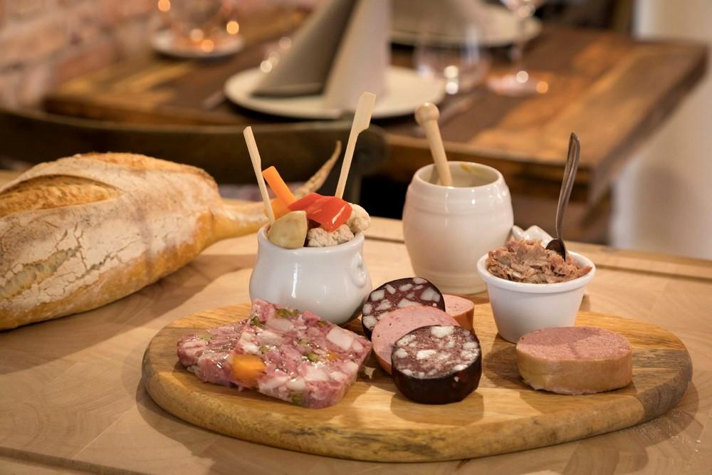 Les Chauvins Pères et Fils Restaurant Strasbourg Tapas