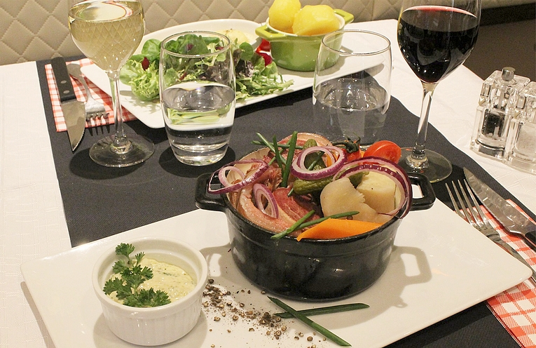 Au Bouchon : restaurant «bistrovinique»