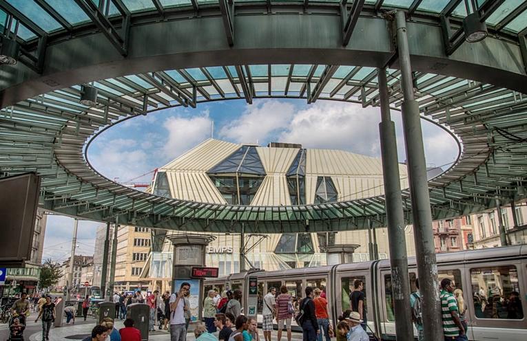 Les stations de tram Strasbourgeois #1 : La place de l'Homme de Fer